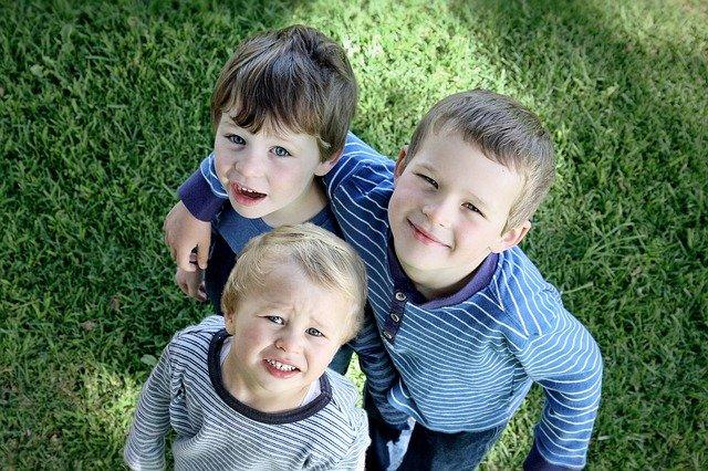 tři bratři