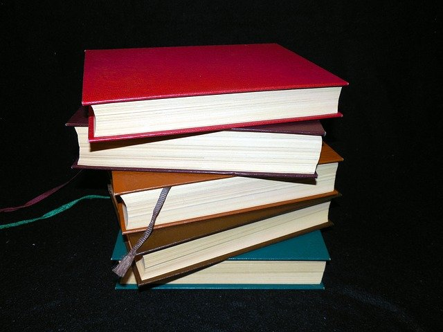 knihy ve sloupci