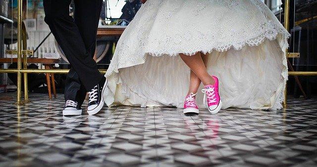 tenisky na svatbu