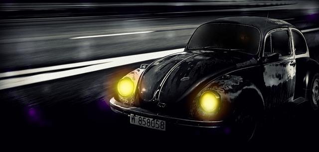 černé autíčko